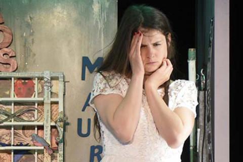 Critique LA TERRASSE: L'Avalée des avalés – Mes Lorraine Pintal